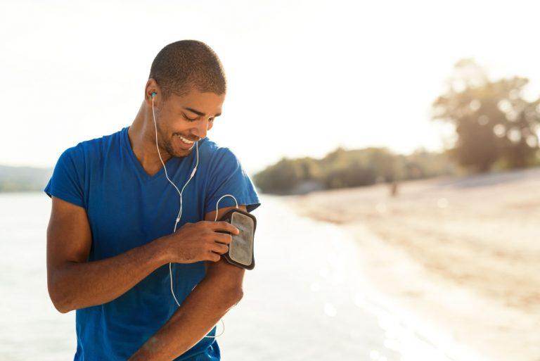 Quad Lock, le brassard pour courir avec son smartphone