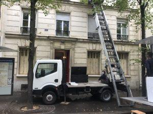 Demenagement Parisien Monte Meuble